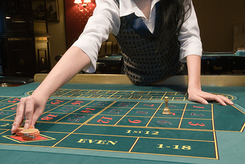 Play live roulette online